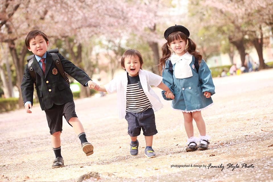 桜とキッズ写真